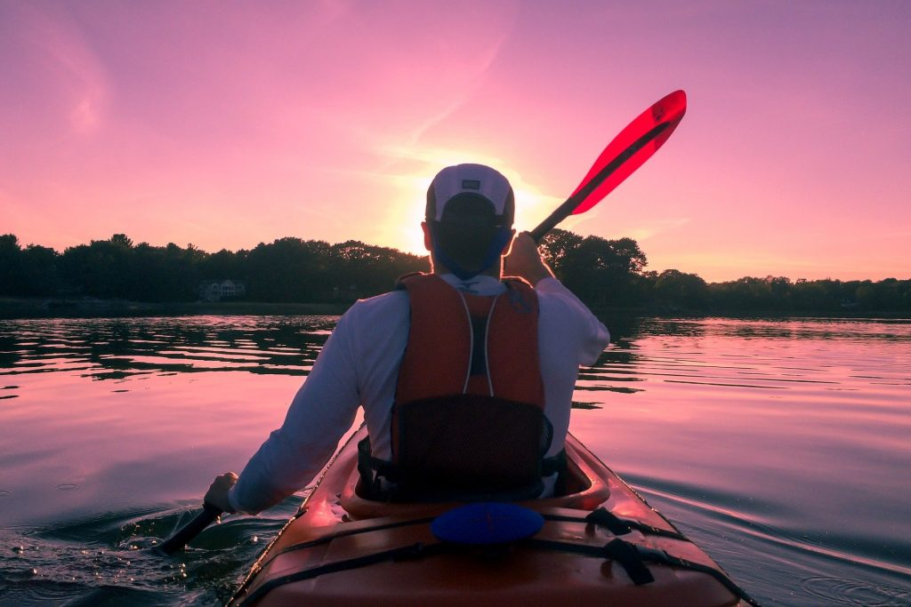 20 Tips For Paddling A Canoe Alone